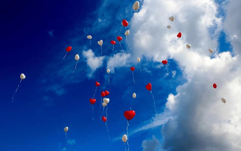 結婚式で使用する風船の画像